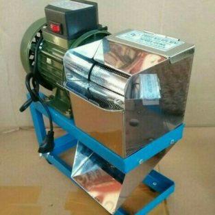 Mesin parut kelapa  stainless steel lebar corong keluaran didepan
